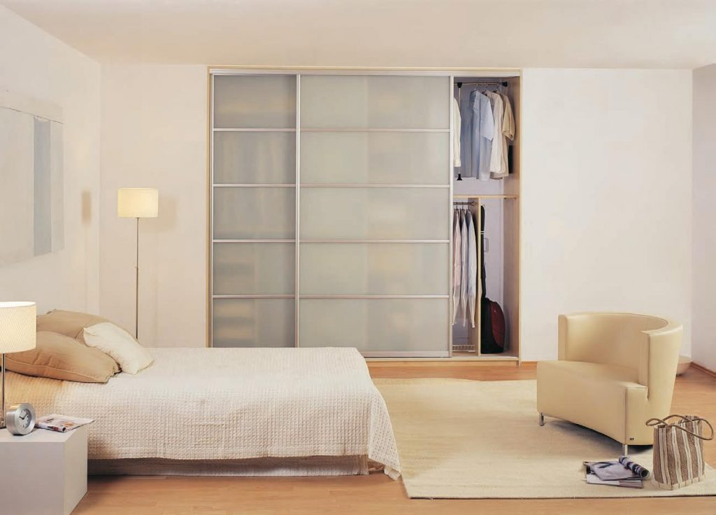 bedroom wardrobe sliding doors