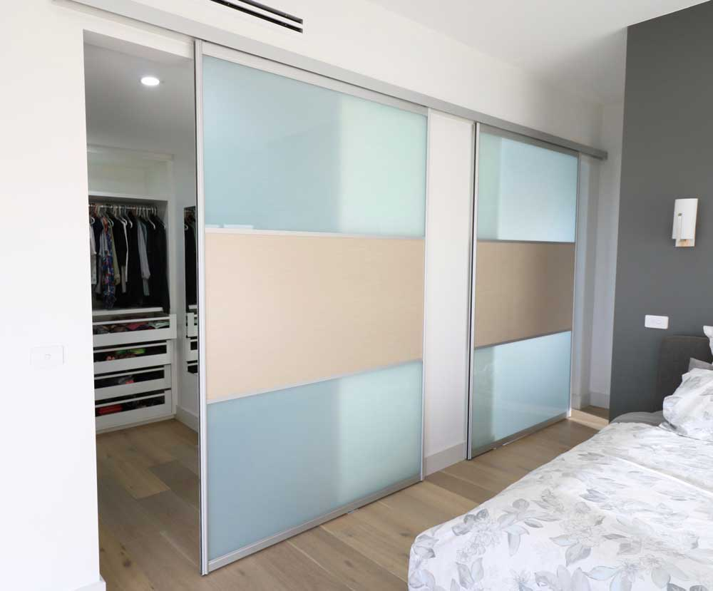bedroom-wardrobe-and-ensuite-sliding-doors