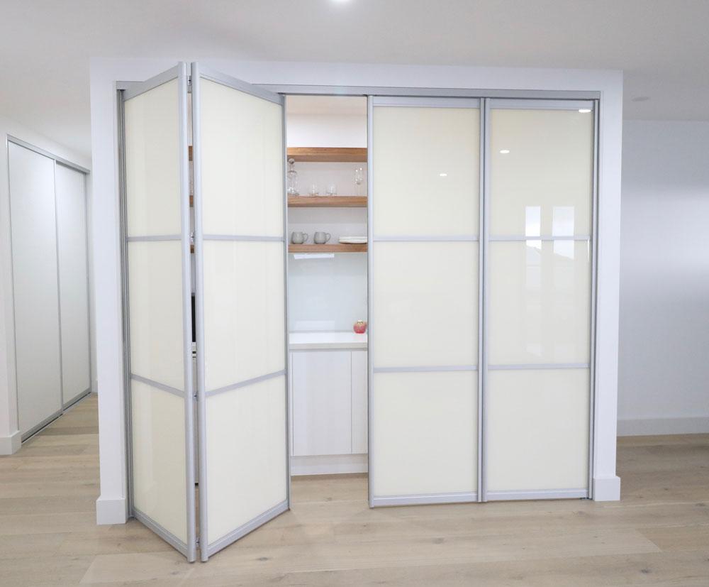 kichenette-bifold-doors