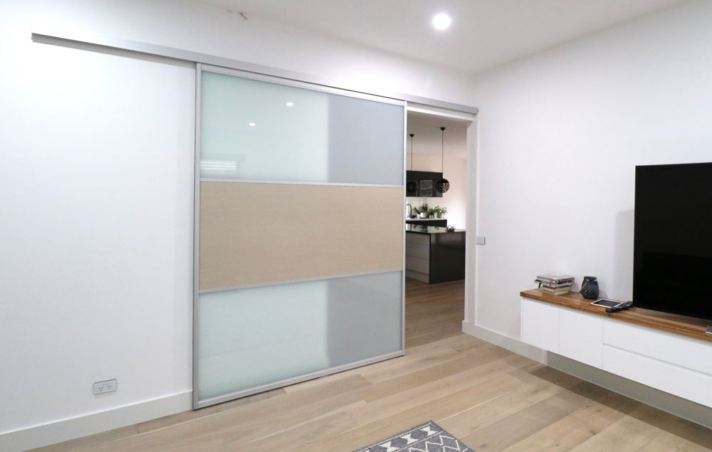 lounge-sliding-door