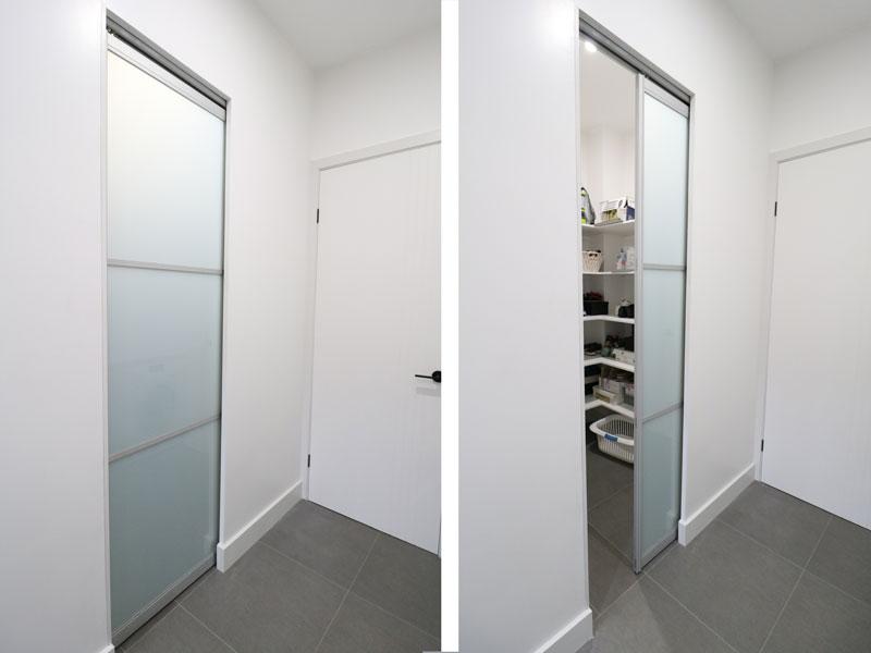 single-pocket-door-opened-closed