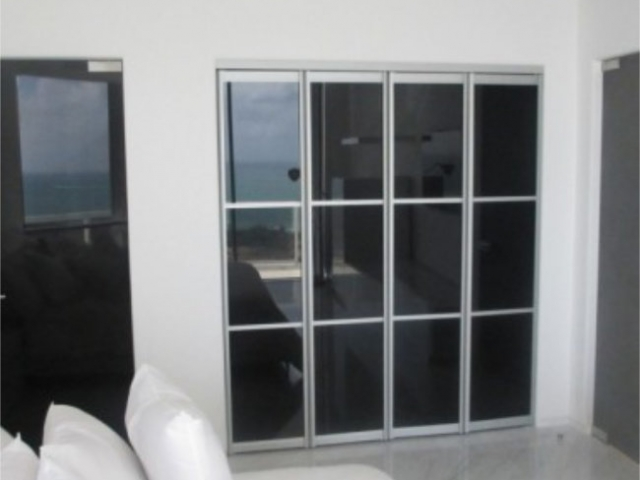 4 Panel Symmetrical, Natural Anodised Aluminium with Grey Glass Inserts