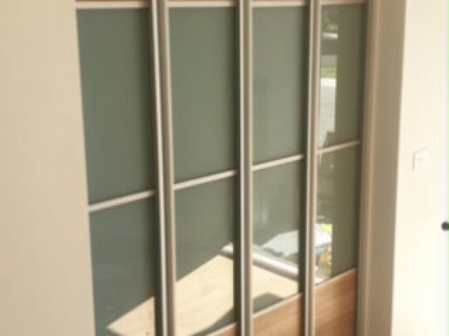 4 Panel Symmetrical Combination Woodgrain Melamine & Frosted Glass Inserts