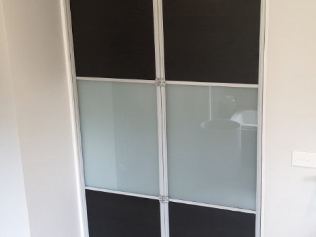 2 Panel Natural Anodised Aluminium Hardware with Black Painted and Opaque Glass inserts